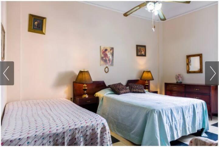 Rent a room in the center of Havana
