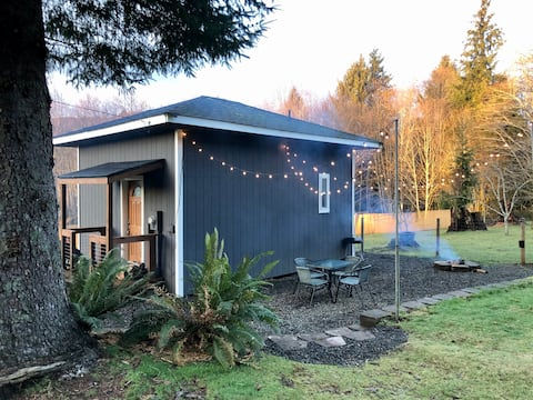 Modern PNW Tiny House on Hobby Farm