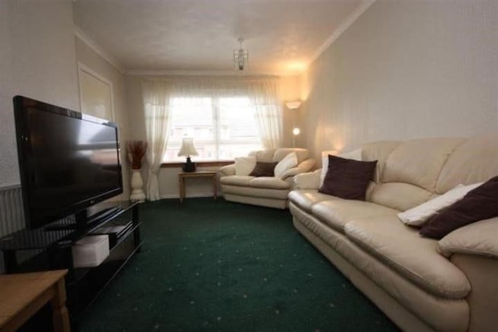 Private double bedroom in Glasgow South Side