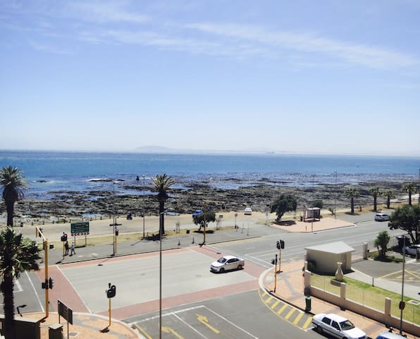 Timeless Mouille Point Classic with Ocean views