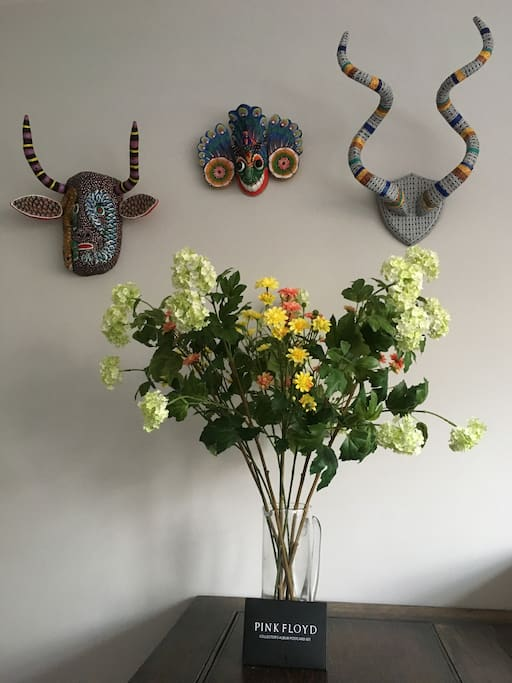 Decor - Masks and Flowers in the Living Room