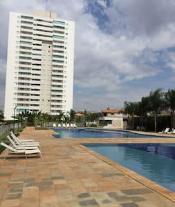 Quarto em apartamento melhor localização Goiânia