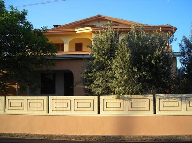 Villa Manetti 2