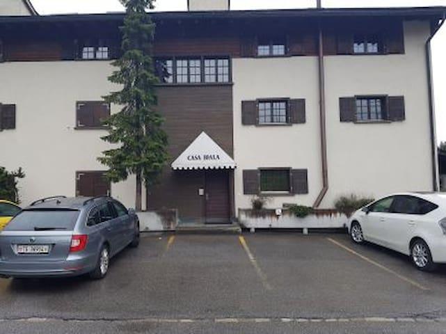 Gemütliche Ferienwohnung mit Charme - Laax - Apartment