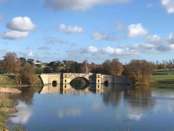 THE PLUM: Entire House close to Blenheim Palace