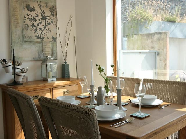 Unique costal cottage for up to 4 - Treknow, Tintagel - House