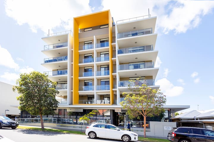 Outram St Apartment with huge 50sqm balcony