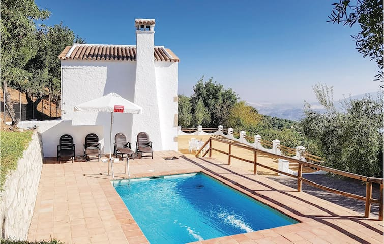 Holiday cottage with 5 bedrooms on 118m² in Zahara de la Sierra