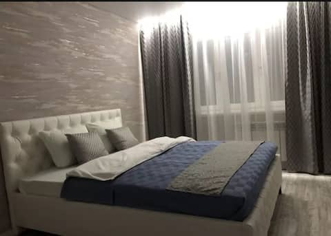 уютная квартира с новым ремонтом в новом доме.