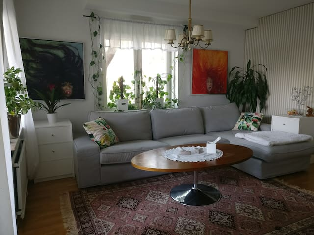 Apartment with terrace close to trainstation