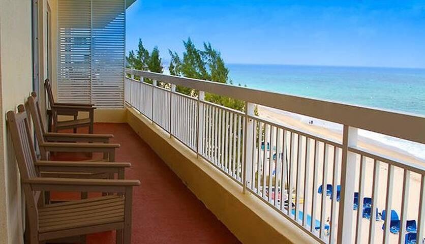 2Bd Pompano Beach Condo w/NO Resort Fees!!