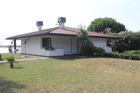 VILLA DEL TRAMONTO - Isola Albarella - Villa