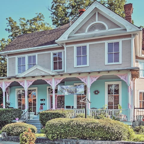 Historic Victorian Home Downtown