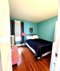 Cozy room -Eastside of Troy- conveniently located