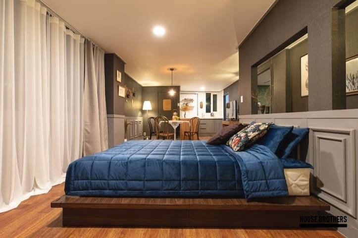 ★Open★ Antique 2BR [Kingsman House] - INCHEON
