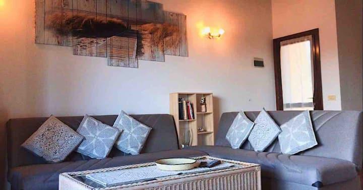 Spazioso appartamento a Cannigione, vicino al mare