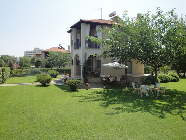 Maisonette-large yard -near to Olympus and the sea - Leptokarya - Villa