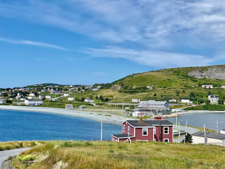 PRIVATE Gem In Ferryland – Beach House W/Balcony