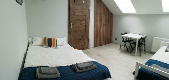 Pokoje pod Baranami 5 osób wspólna łazienka
