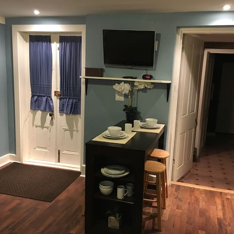 Newly Remodeled Studio Near Capitol - Harrisburg