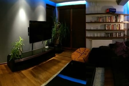Modern and smart apartment / 10 mins from Center - Krakau
