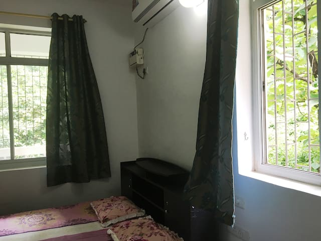 Bedroom - well ventilated