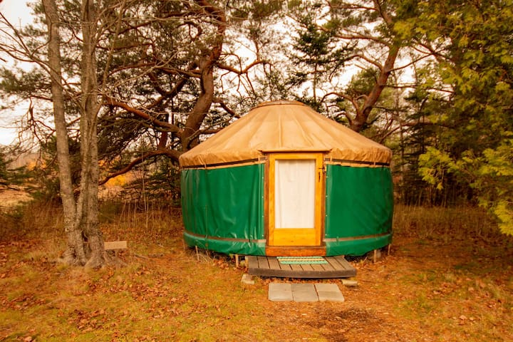 The Puffin, Rusticator Yurt Near Acadia