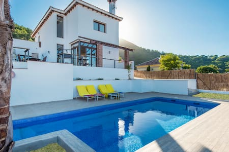 New luxury villa with beautiful views and pool - Pinos de Alhaurín