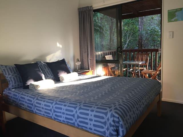 Double /Triple room, in bush setting Abel Tasman