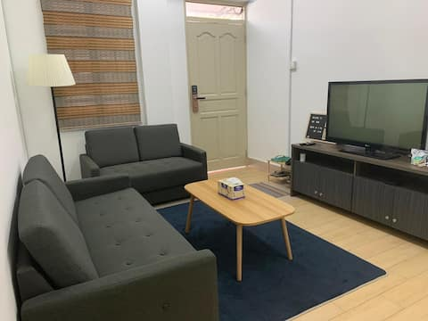 Ground Floor 1 Bed+BR in BSB w SmartTV