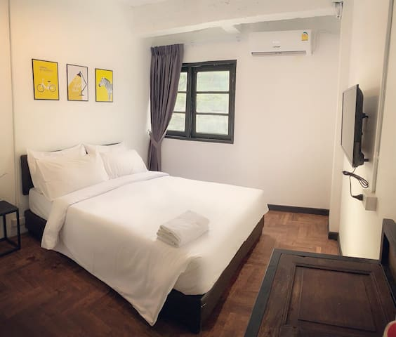 G2015 Chic private room A near BTS E12 Aircon/WIFI