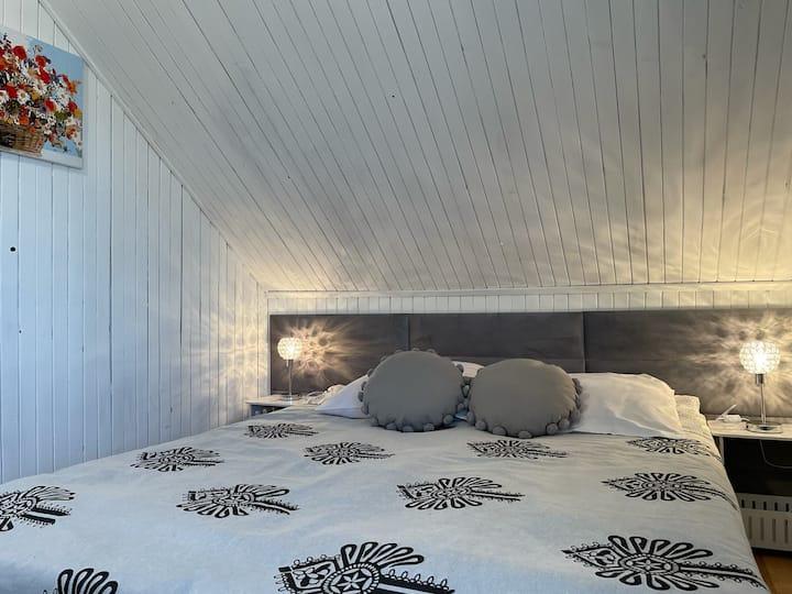 ZAKO-LODGE, pokój double z łazienką