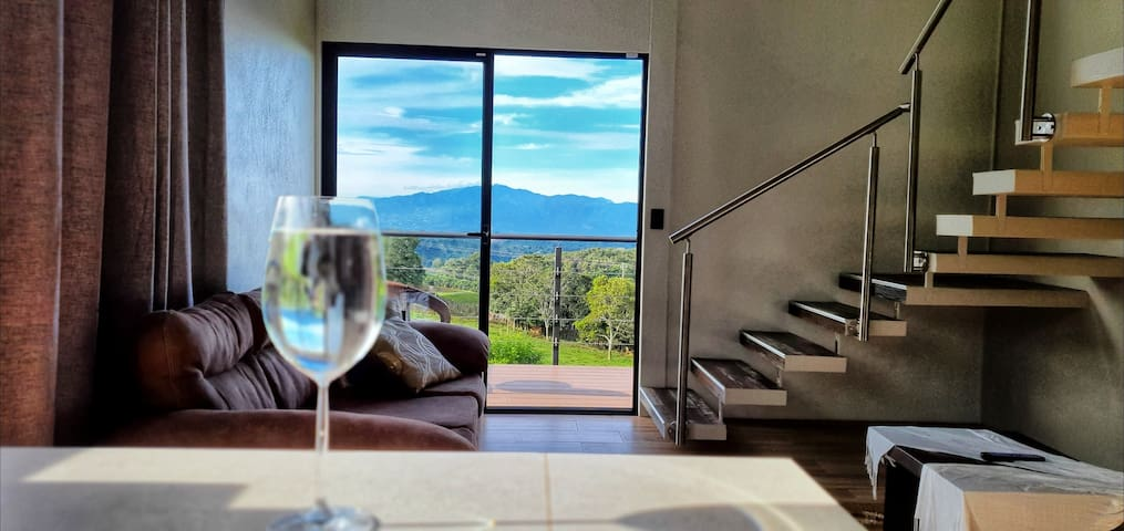 Botella de vino y la vista perfecta!