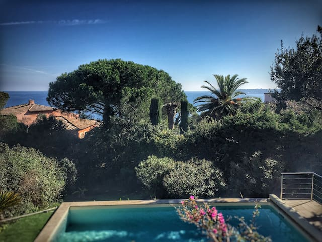 Villa Sainte-Maxime Pool/Sea view/near city centre