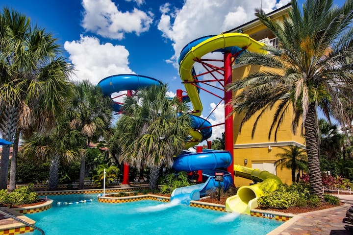 Beautiful condo with waterpark-5 mins from Disney