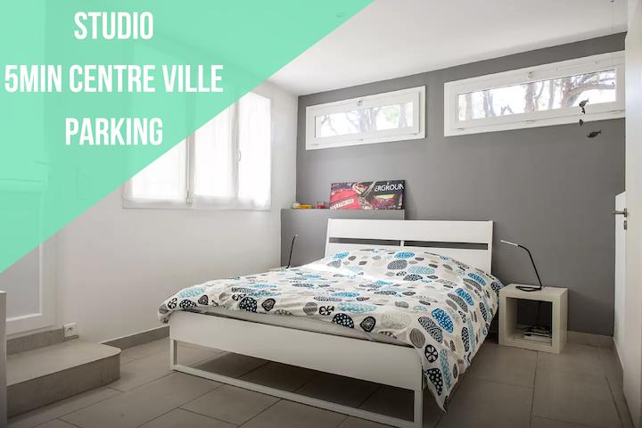 Studio climatisé avec jardin privé en centre-ville