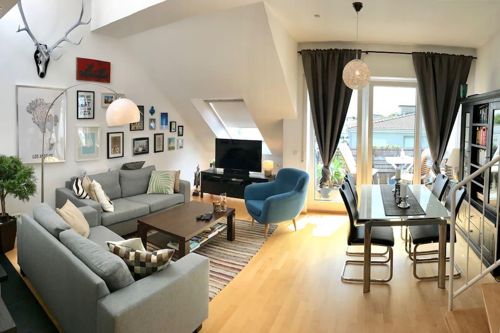 gem tliche maisonette wohnung mit balkon und kamin. Black Bedroom Furniture Sets. Home Design Ideas