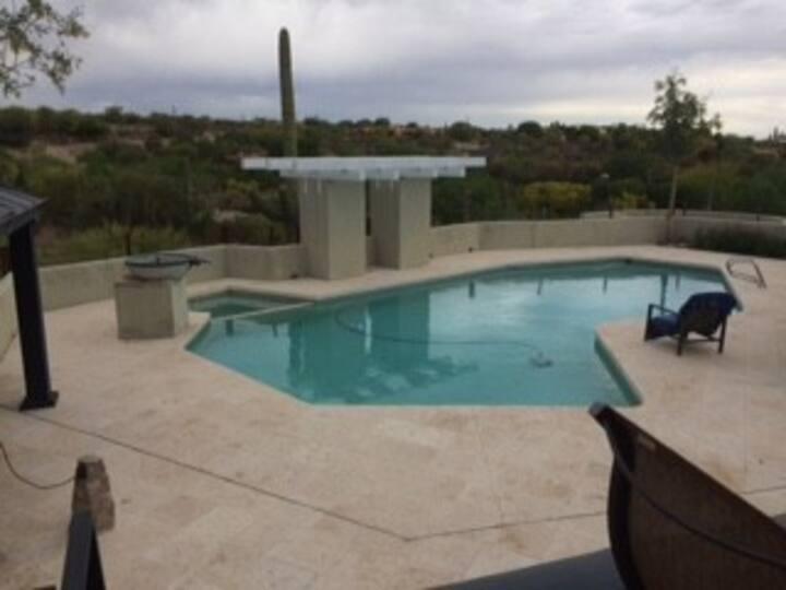 Tucson Villa      La Vie en Rose