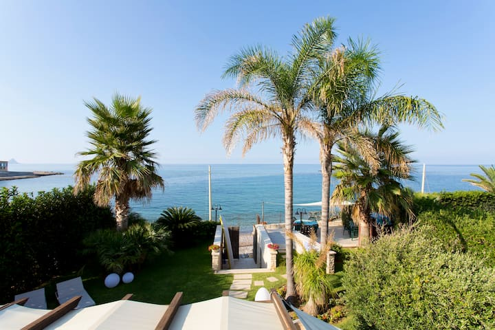 ** Exclusive Luxurius House on the Beach** WI-FI