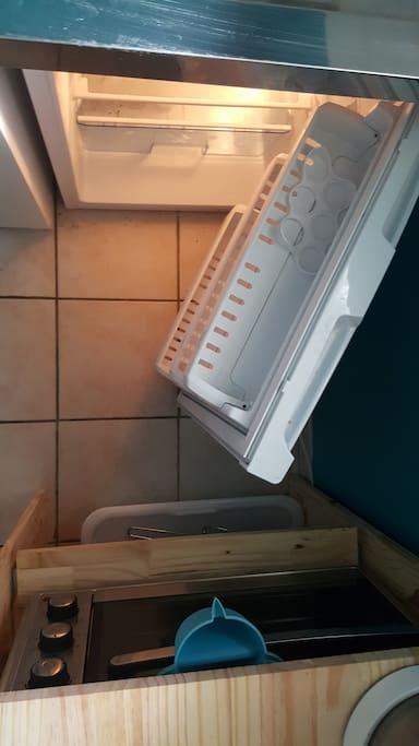 Oven & fridge