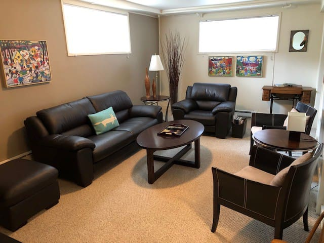 Julie's Place - Private, Comfort, Independence