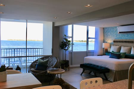 Honeymoon Jewel at Isla Verde - 100% Beach Access! - Carolina