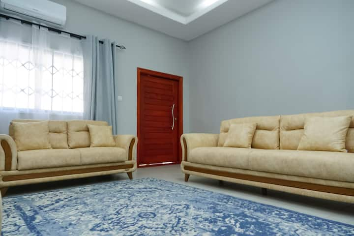 Neat 3 Bed self catering Apartment in Lilayi Area