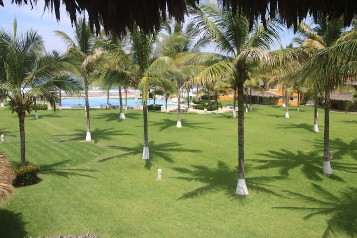 Villa Palmira, Playa Blanca. Beach Front Villa.