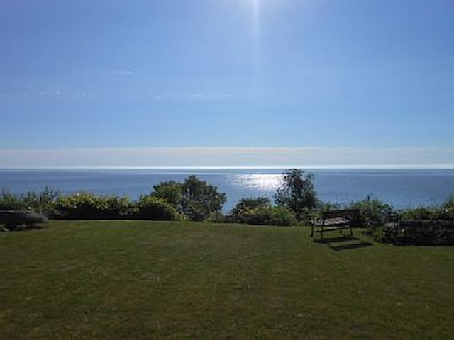 HOME OVERLOOKING LAKE MICHIGAN - Sheboygan - Huis