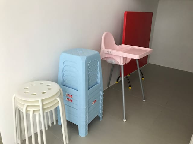 Baby chairs and stools