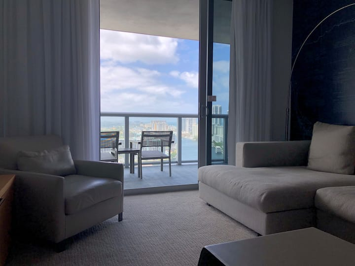 65 Excellent one bedroom apartment with Great View