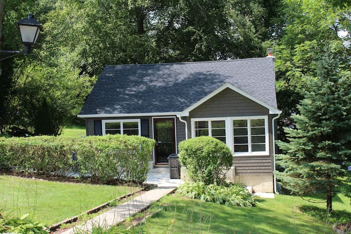 Two Bedroom Lakehouse- close to UCONN