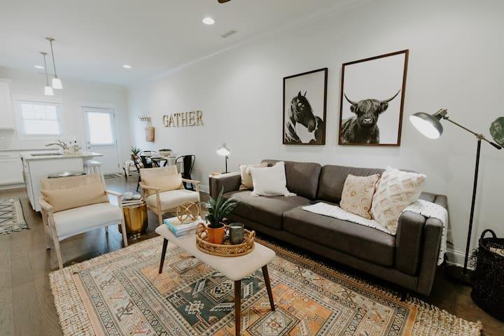 NEW Murfreesboro Luxury Townhome   3 BR