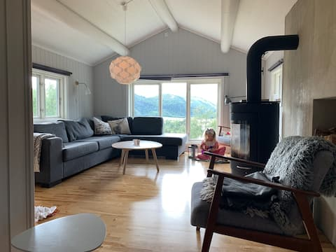 Cozy cottage on Sinnes for rent!